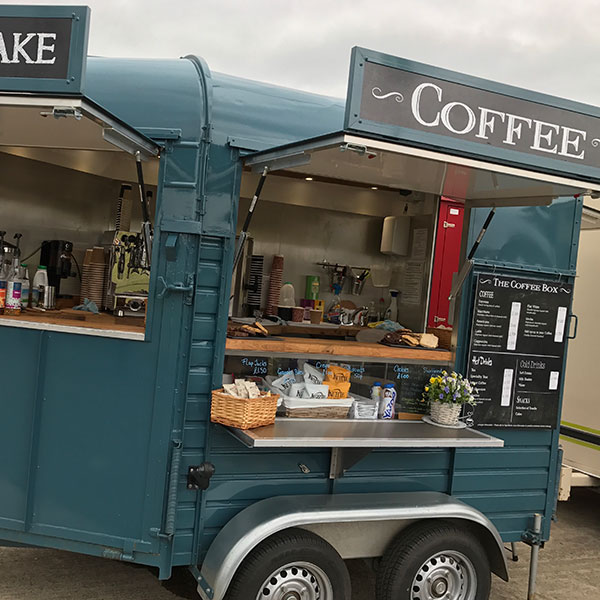 Mobile coffee and hot drinks unit